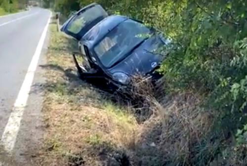 Fano, perde il controllo dell'auto e finisce in un fosso: 59enne al Pronto soccorso