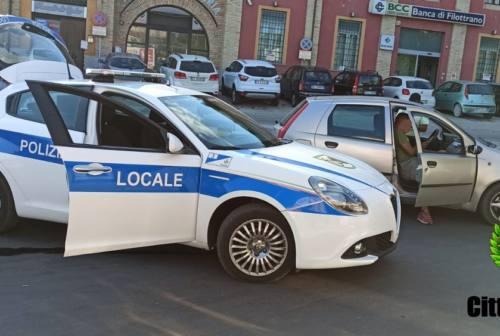 Osimo, controlli anti Covid davanti alle scuole