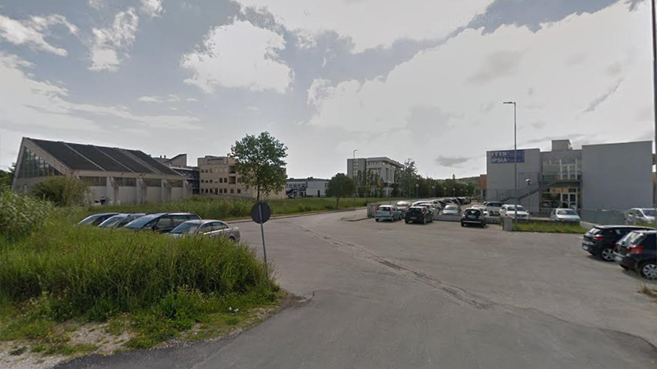 Il campus scolastico di Senigallia: a sinistra l'istituto Corinaldesi, al centro il Panzini, a destra il Padovano