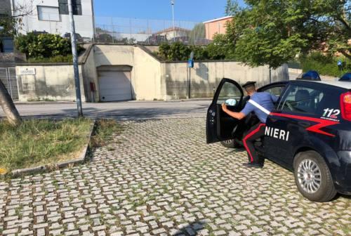 Falconara: esce dal carcere, si ubriaca e urina davanti alla caserma. 5mila euro di multa