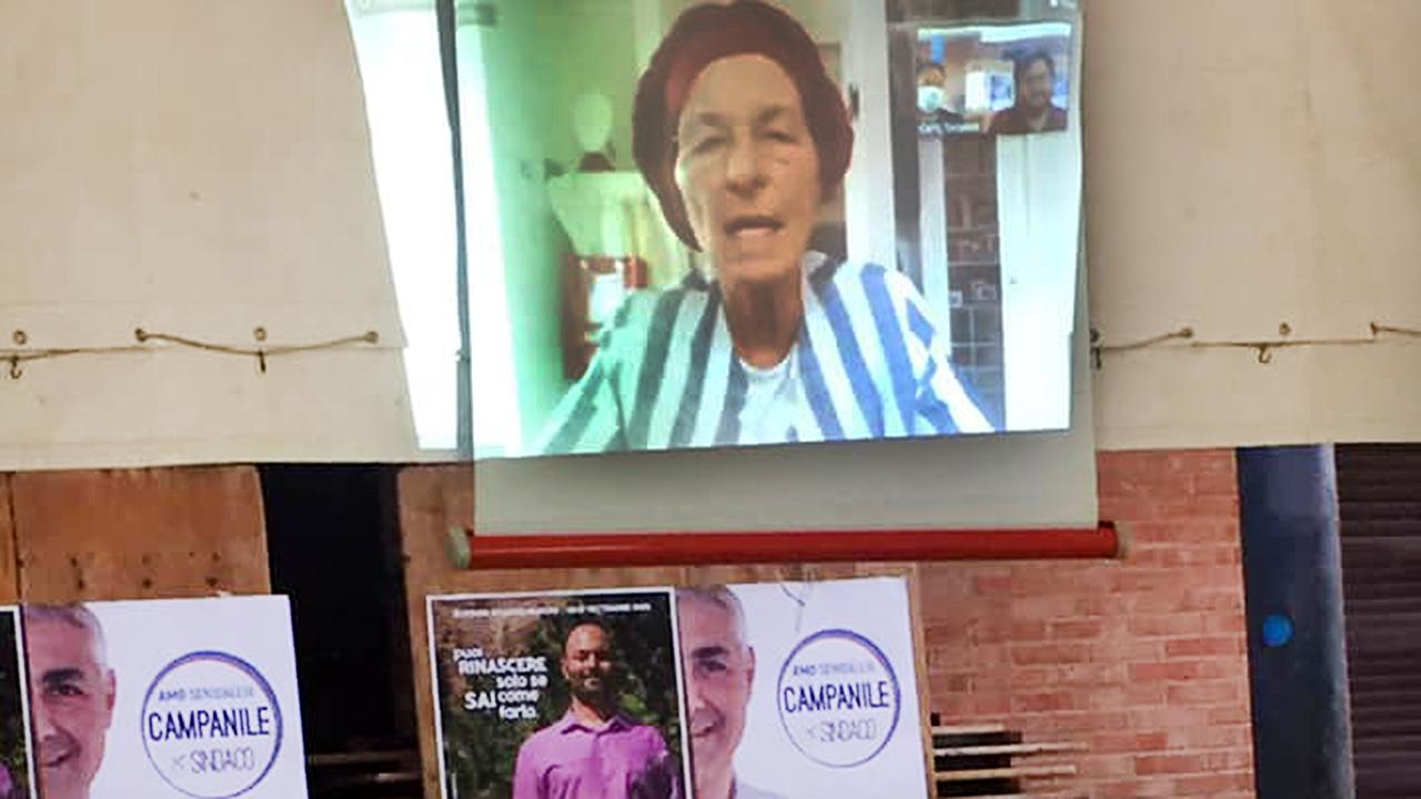 Emma Bonino in collegamento con i rappresentanti di + Europa a Senigallia
