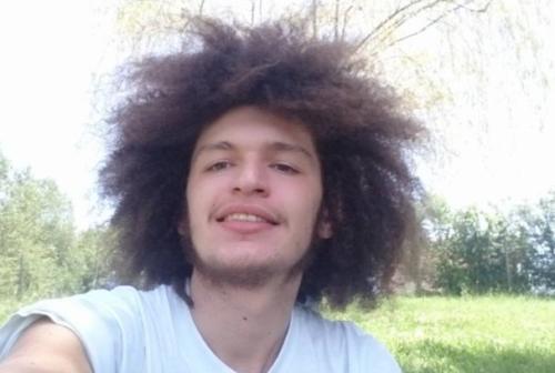Incidente a Montecosaro tra auto e moto: perde la vita un 22enne