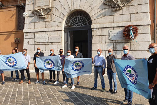 Doppi turni e mancato riposo per gli agenti del reparto mobile di Senigallia: ad Ancona la protesta