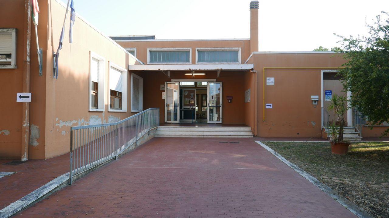 La scuola dell'infanzia alla Cesanella di Senigallia, con i percorsi separati per le varie sezioni
