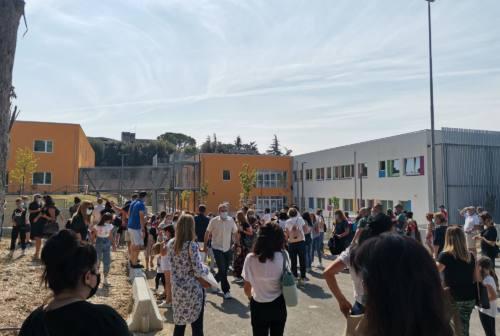 Macerata, «Che emozione tornare a scuola»: il suono della campanella tra sicurezza e speranza