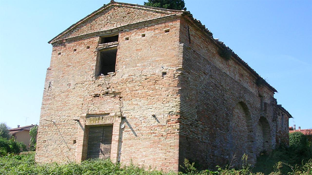 La chiesa di S. Maria delle Grazie, detta comunemente Madonna del Piano, nella frazione Osteria a Serra de' Conti