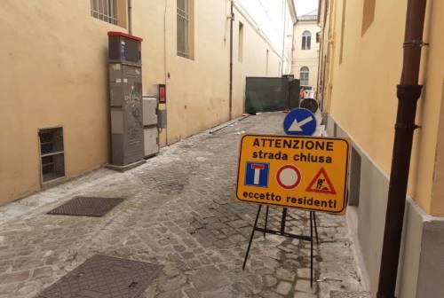 Jesi, lavori in corso Matteotti: «Diteci se avete cantine o grotte»
