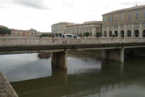 Il ponte Garibaldi perde pezzi: senigalliesi preoccupati ma la stabilità non è compromessa