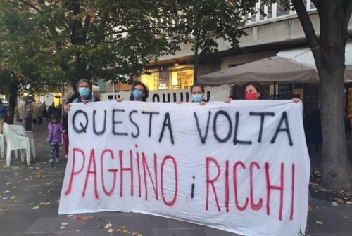 Ancona, lavoratori precari in piazza: «Reddito di base e sanità pubblica, giustizia sociale»