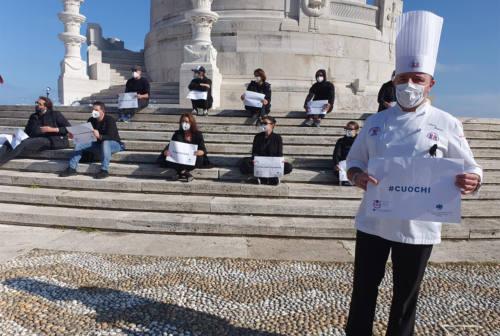 Ristorazione in protesta contro le chiusure alle 18. Cedroni (Fipe): «Il nostro settore come capro espiatorio» – VIDEO