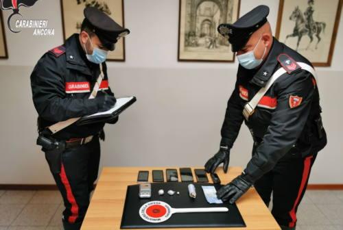 Fabriano: i Carabinieri arrestano 40enne per droga, aveva anche banconote false