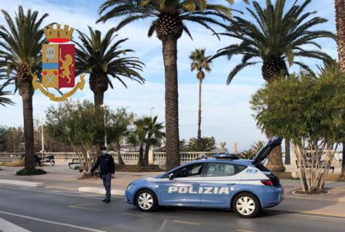 San Benedetto, inseguimento e colluttazione con la polizia. Espulsi in due