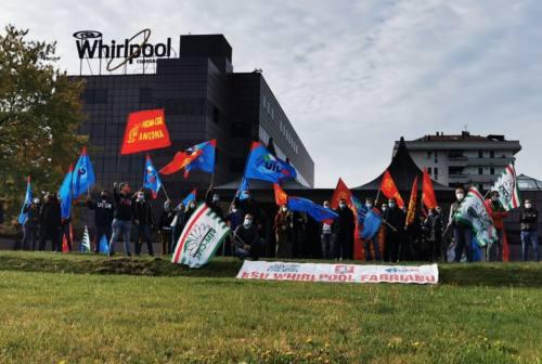 Whirlpool: presidio dei lavoratori davanti alla sede impiegatizia di Fabriano