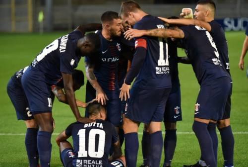 Calcio, la Samb batte il Mantova e si conferma protagonista