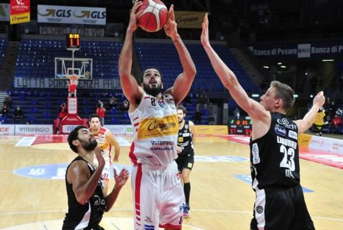 Basket, passo indietro VL. A Pesaro vince Trento