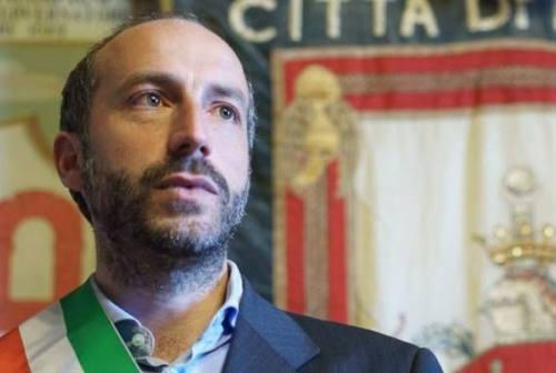 Fermo, il sindaco Calcinaro dimesso dall'ospedale: «Grazie per la vicinanza, ora subito al lavoro»