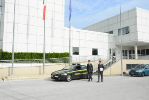Pesaro, ha il reddito di cittadinanza ma vive all'estero: denunciato furbetto