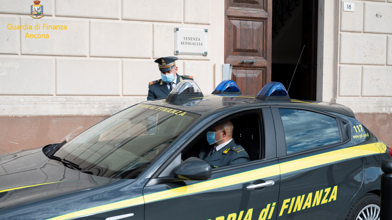 La Guardia di Finanza di Senigallia