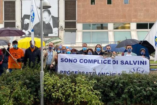 Pesaro, il sit-in della Lega per sostenere Salvini che andrà a processo