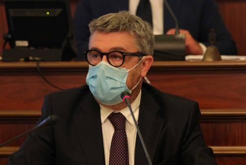 Il sindaco di Senigallia: «Non chiuderò strade né piazze ma siate responsabili»