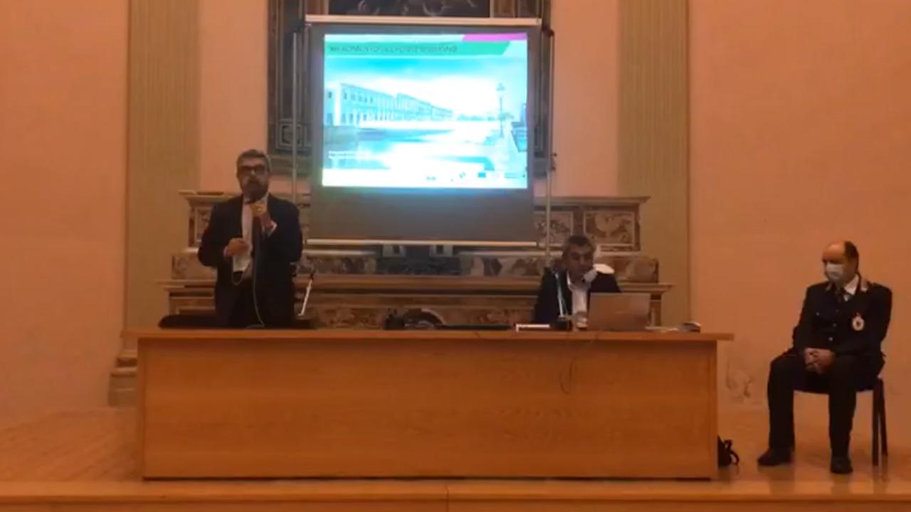 Il sindaco di Senigallia Massimo Olivetti, l'ing. Nafez Saqer e il comandante della Polizia locale Flavio Brunaccioni