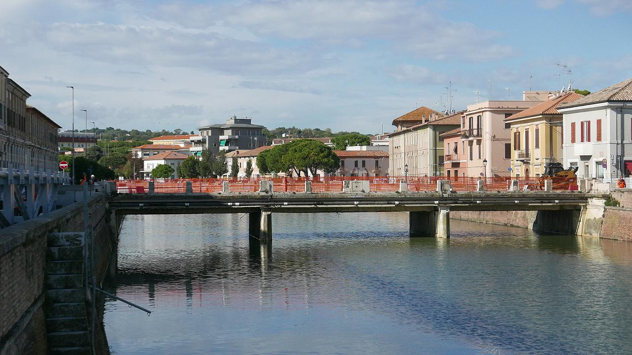 I lavori su ponte II Giugno a Senigallia