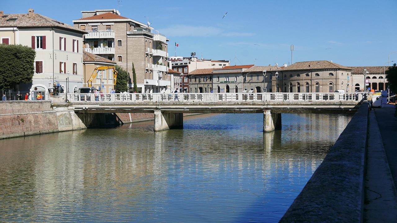 Lavori su ponte II Giugno a Senigallia