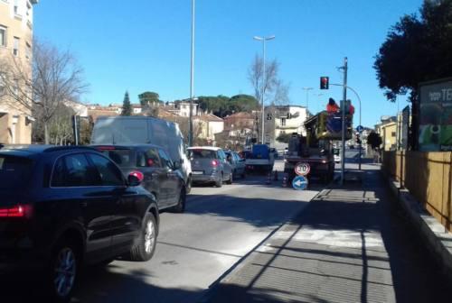 Jesi, addio ai semafori spia contro il passaggio col rosso
