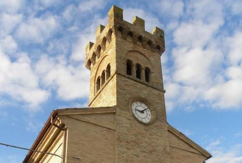Riparte a Castelleone di Suasa l'orologio fermato dal sisma del 2016