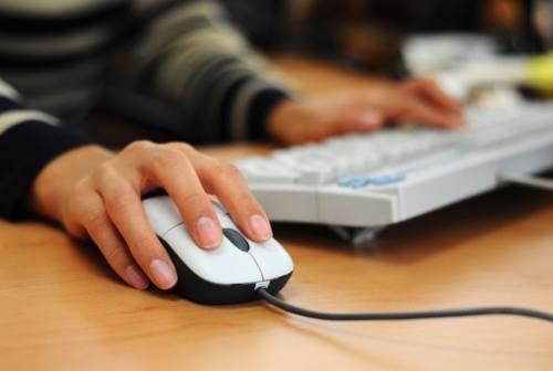 Duro colpo della Guardia di finanza alla pirateria informatica: oscurati 5.500 siti web e telegram