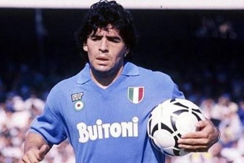 Il calcio piange il più grande: è morto Diego Armando Maradona