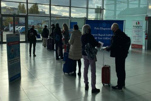 Tamponi all'aeroporto di Falconara, il checkpoint si sposta al Terminal Partenze