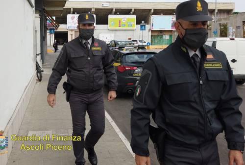 """Ristoratore abusivo a """"Km. Zero"""", la Guardia di Finanza di Ascoli stana evasore totale"""