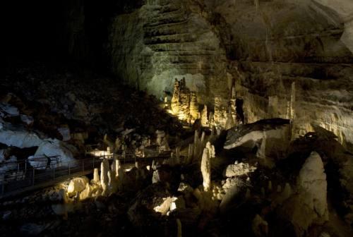 Genga: le Grotte di Frasassi si difendono dalla pandemia