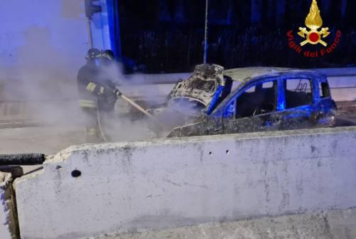 Fabriano, ha un incidente dopo il coprifuoco: denunciato per guida in stato di ebbrezza e multa