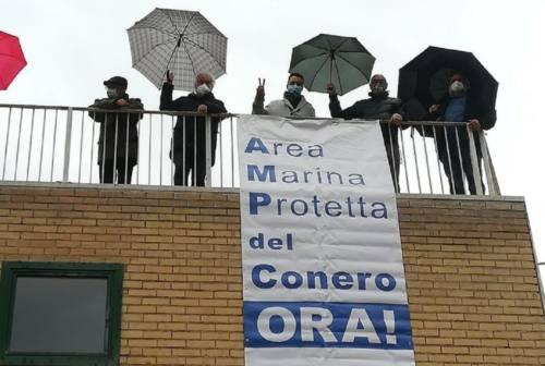 Area Marina Protetta del Conero, sit-in del Comitato per il sì sotto la Regione