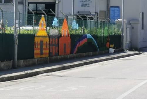 Ancona, punto croce urbano: Vallemiano raccontata a suon di cordoncini colorati