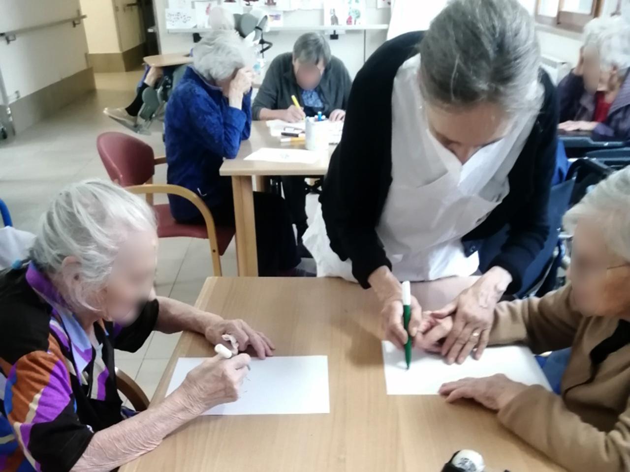 Le attività con gli anziani ospiti della residenza protetta alla Fondazione Città di Senigallia