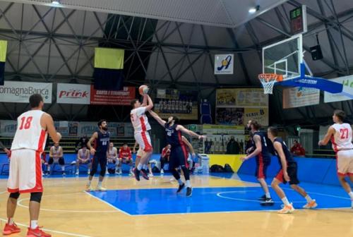 Basket, cade la Goldengas nel test match contro Rimini