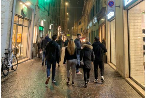 Pesaro, Ricci soddisfatto del senso unico pedonale in centro. Carriera: «Faremo una passeggiata contromano»