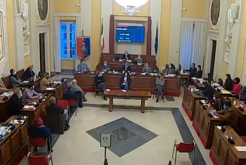 Pass per le mamme, finanze e opere pubbliche: i temi del consiglio comunale di Senigallia