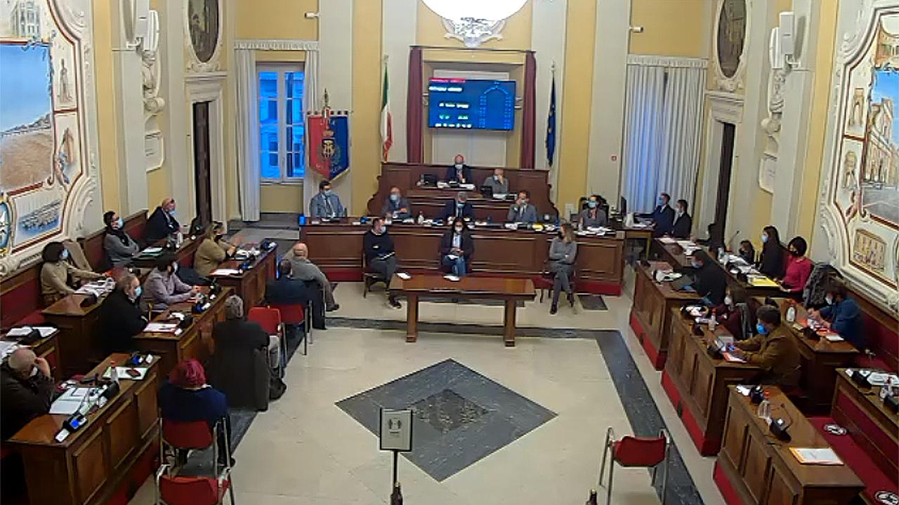 La seduta del consiglio comunale di Senigallia del 26 novembre 2020