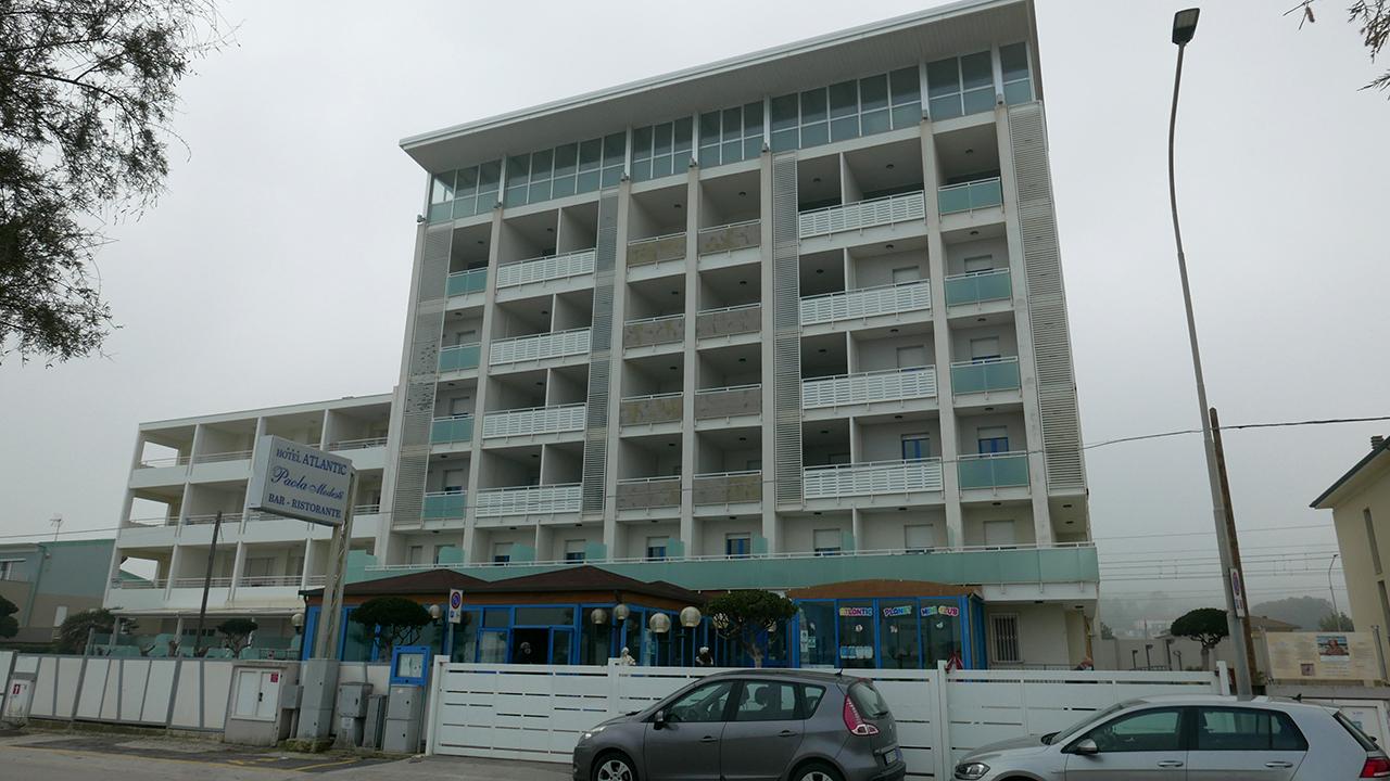 All'hotel Atlantic di Senigallia è stato predisposto il covid hotel per accogliere i positivi dagli ospedali di Ancona e Pesaro Urbino