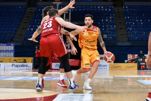 Basket, meravigliosa VL. Reggio Emilia al tappeto
