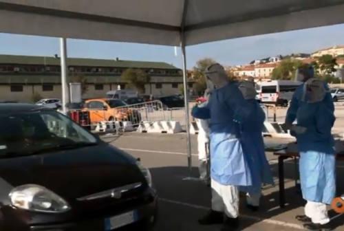 Ancona, al Drive Through Difesa della Marina Militare in coda per il tampone