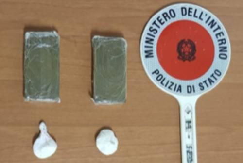 Pesaro, la droga nel reggiseno e sotto il sedile dell'auto: coppia nei guai