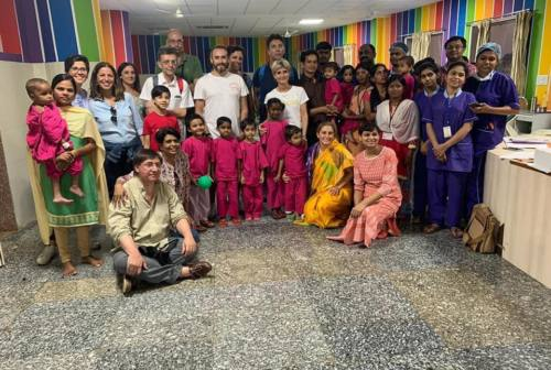 Salute e solidarietà: la salvezza dei bimbi indiani di Raipur grazie al Rotary Club Jesi
