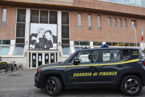 Pesaro, fatture false per 25 milioni nel settore alimentare: quattro denunce