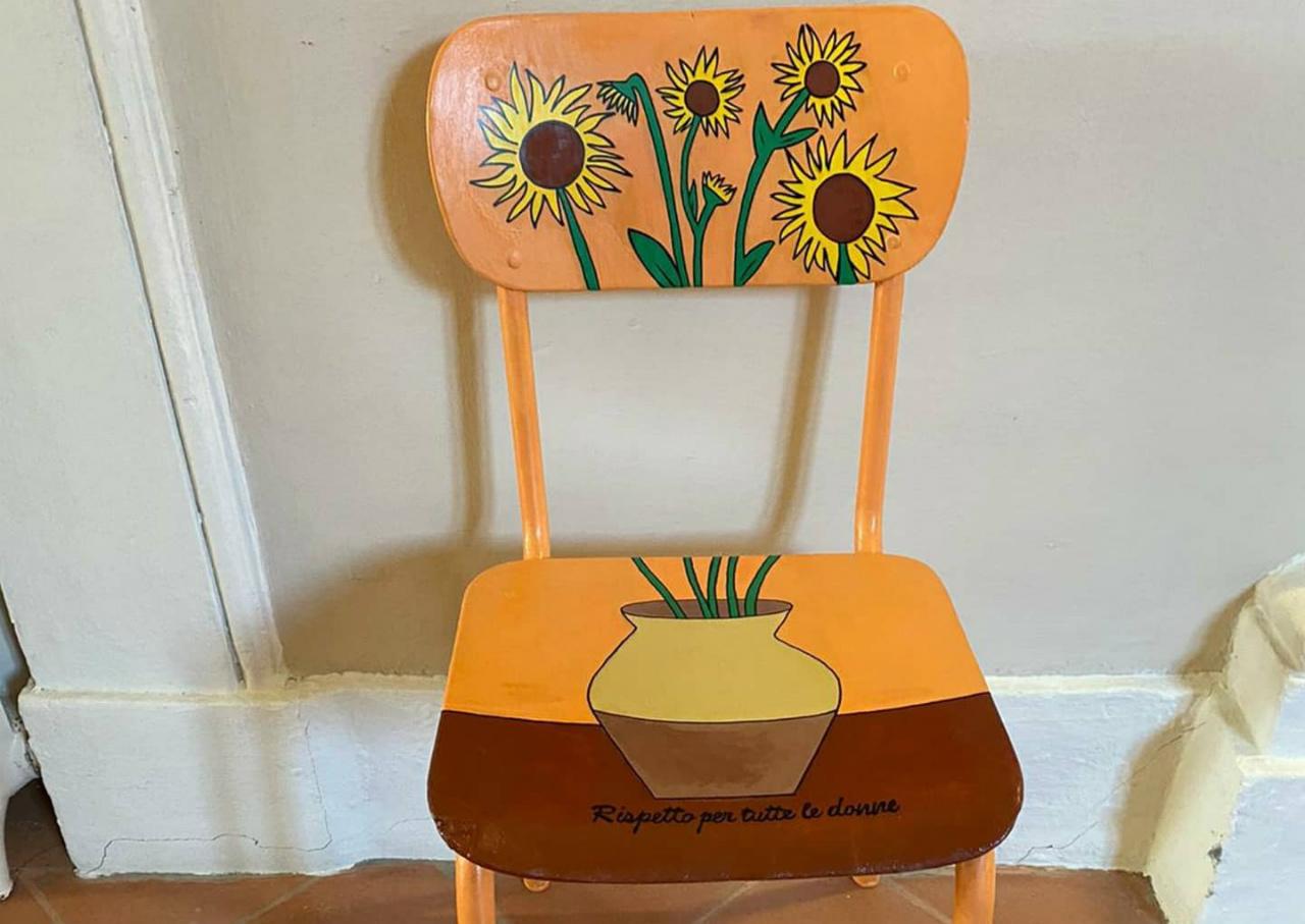 la sedia che andrà nella Sala della concordia