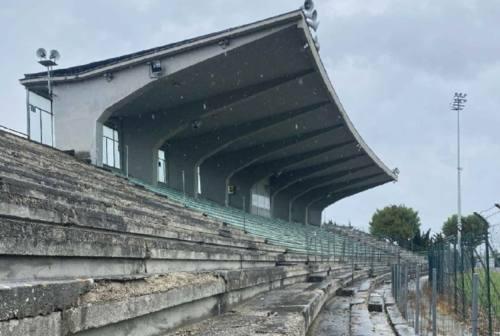Falconara, la tribuna dello stadio Roccheggiani sarà demolita la prossima settimana